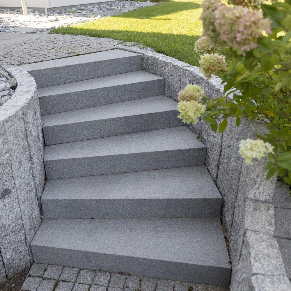Granit Padang Dark Fiamat Pentru Trepte Exterioare La Cel